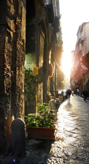 What you can do on 25th April in Naples